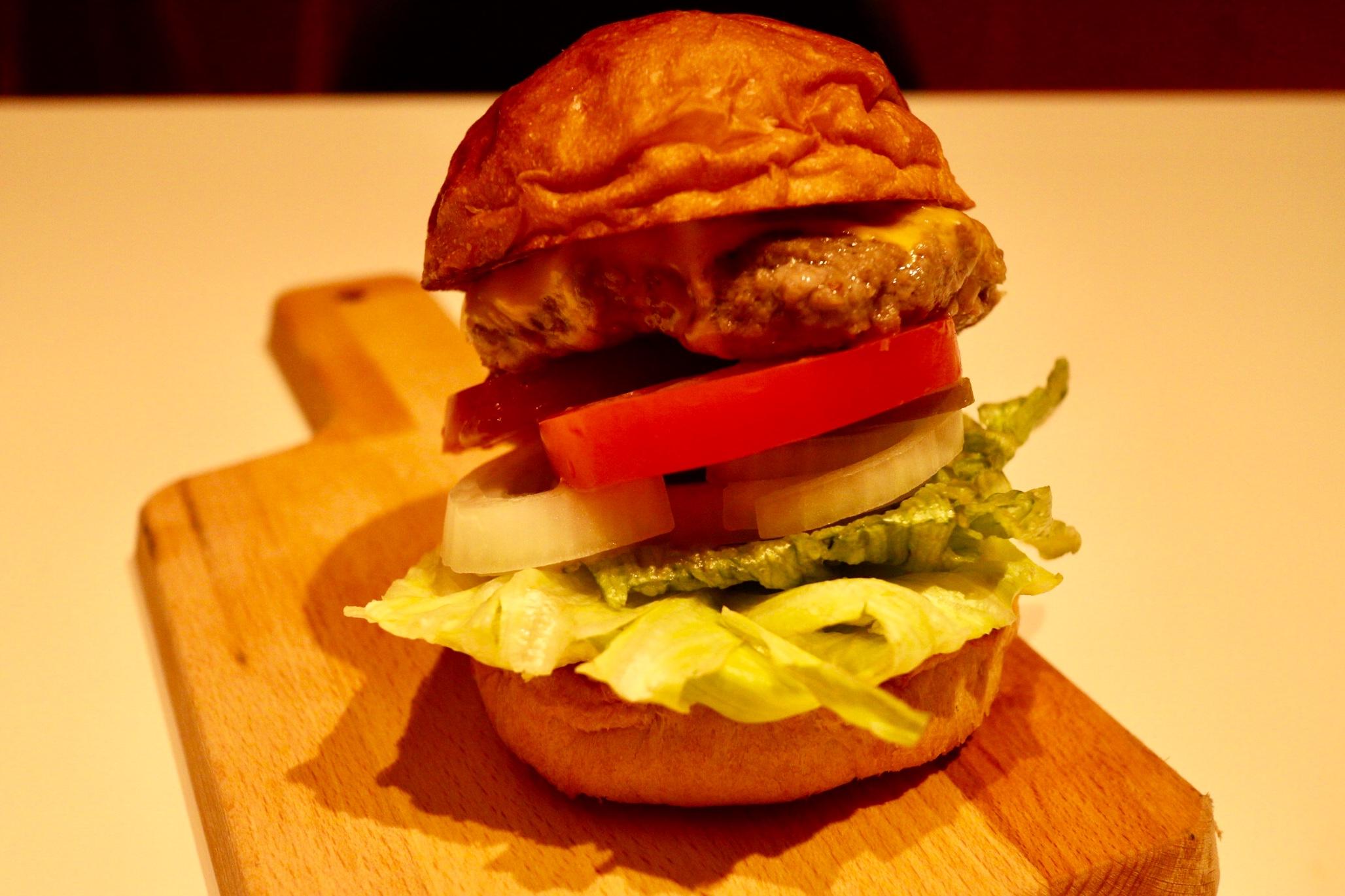 國際機長-牛肉漢堡