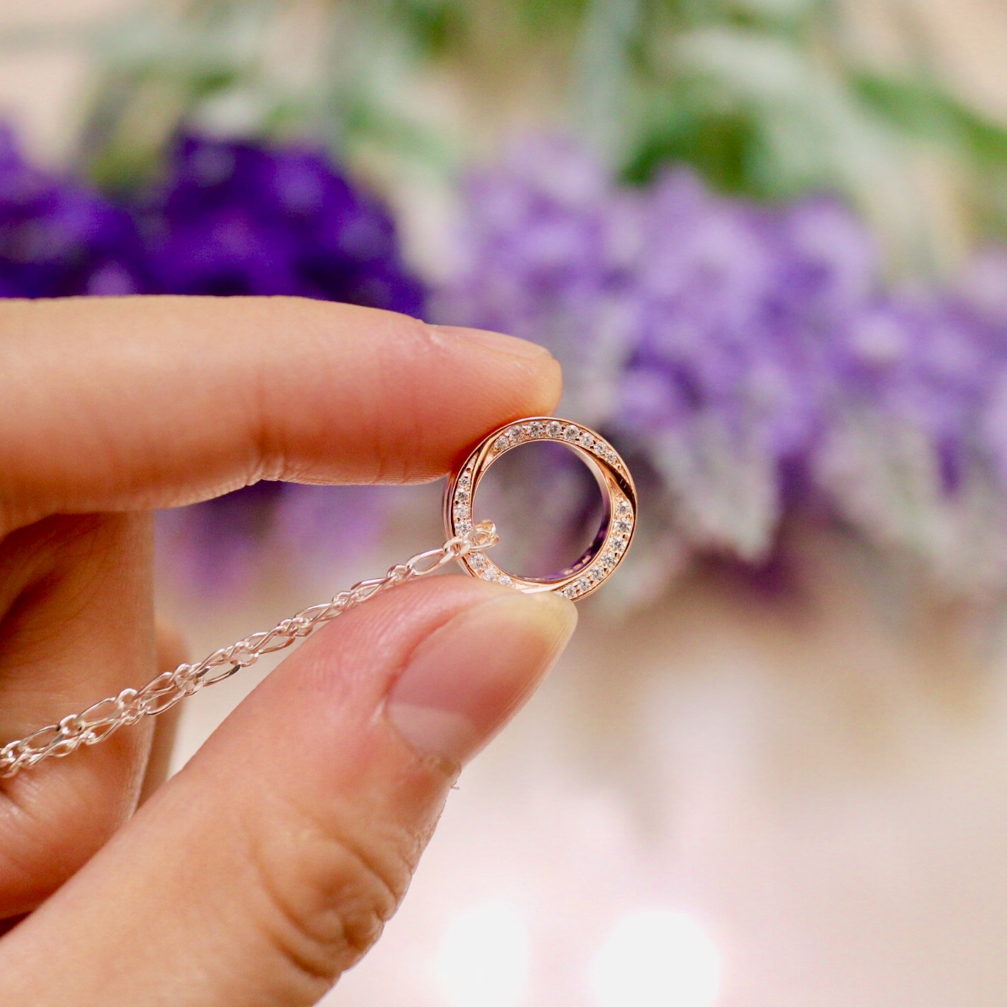 玫瑰金白鑽項鍊